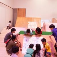 「子どもあそびばミーティング」の様子 (2012)